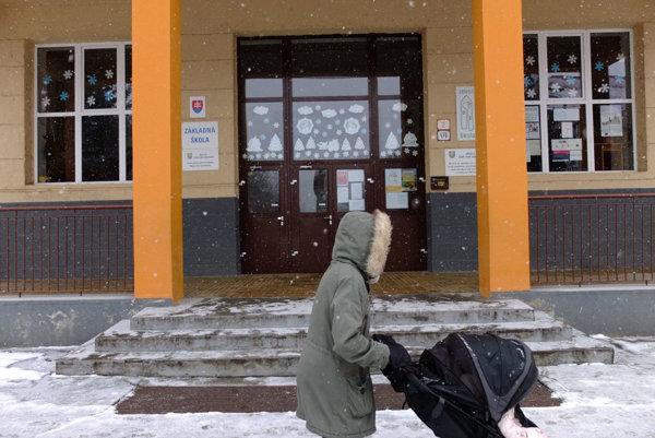 Základná škola na Dr. Janského, Jednotka, ostala zatvorená.