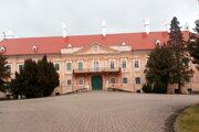 Strechu na kaštieli v Malackách mesto financovalo z eurofondov.