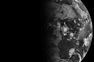 Jesenná rovnodennosť, takto dopadalo slnečné svetlo na Zem 20. septembra 2011.