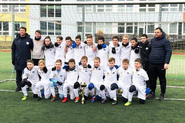 Mladší žiaci FC Nitra U13, víťazi kvalitného turnaja v Olomouci.
