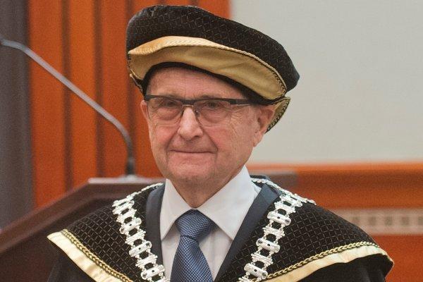 Rektor Paneurópskej vysokej školy Juraj Stern.