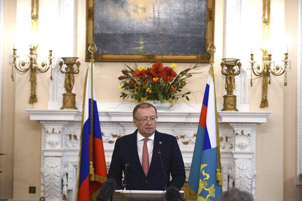 Ruský veľvyslanec v Británii Alexandr Jakovenko.