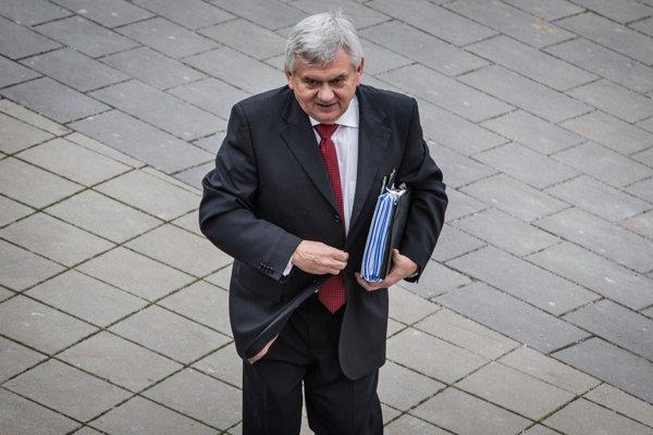 Minister pôdohospodárstva Ľubomír Jahnátek