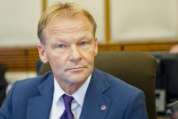 Minister hospodárstva Vazil Hudák