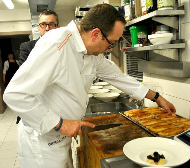 Levy nenechal nič na náhodu - V kuchyni hotela Glamour sa obracal ako vo vlastnej vo Francúzsku.