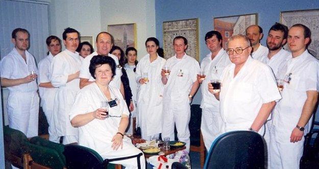 Operačný tím prvej transplantácie srdca na Slovensku.