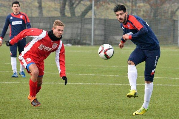 V poslednom zápase pred odletom do Turecka futbalisti FC ViOn zvíťazili na ihrisku Šale 4:0.