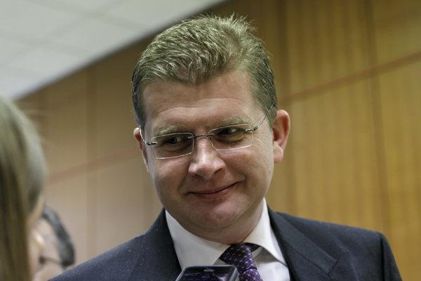 Minister hospodárstva Peter Žiga pre Korzár potvrdil, že rokujú s viacerými perspektívnymi investormi pre priemyselný park v Haniske pri Košiciach. Zatiaľ ich nekonkretizoval.