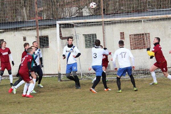 Futbalisti Rajca absolvovali prípravný zápas aj proti treťoligovej Tepličke nad Váhom.