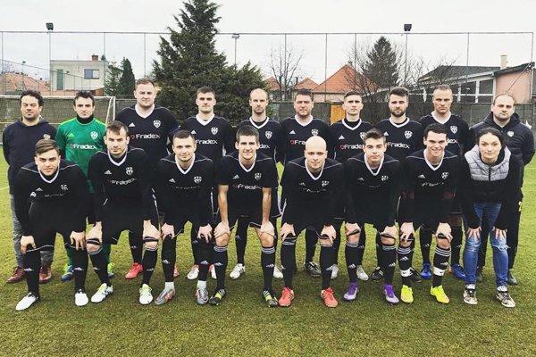 Futbalisti Nevidzian sa tešili z víťazstva 5:1 nad Výčapmi-Opatovcami.