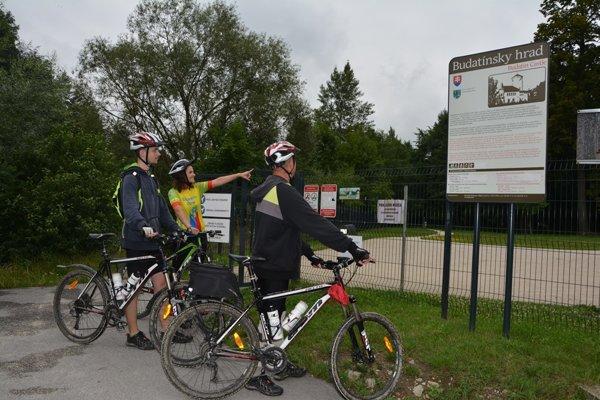 Jediný kvalitný úsek cyklochodníka je zatiaľ pri Budatínskom hrade.