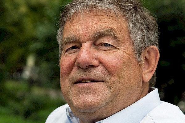 Spisovateľ Manfred Flügge.