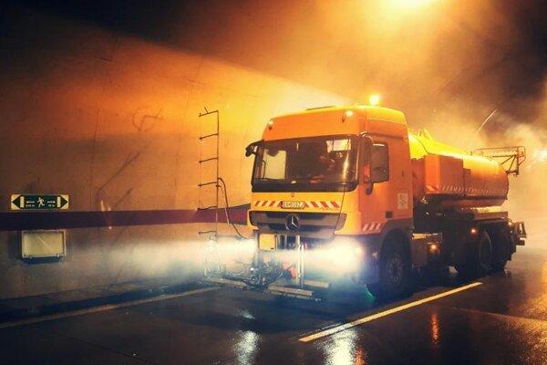 Diaľničiari uzatvoria počas jarnej údržby viacero tunelov na Slovensku.