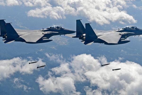 Juhokórejské stíhačky F-15.