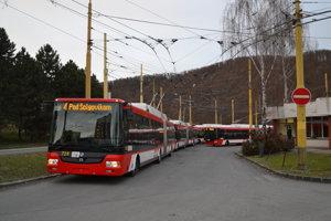 Zverejnenie polohy vozidiel pomôže cestujúcim zistiť presný príchod autobusu na zastávku.