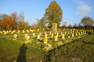 Cintorín v Becherove.
