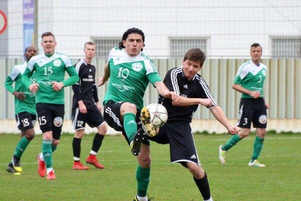 Veľký Meder prehral na jar druhýkrát doma za sebou apo zápase pri mužstve skončil tréner Attila Czuczor. Nahradiť ho má Károly Varga.