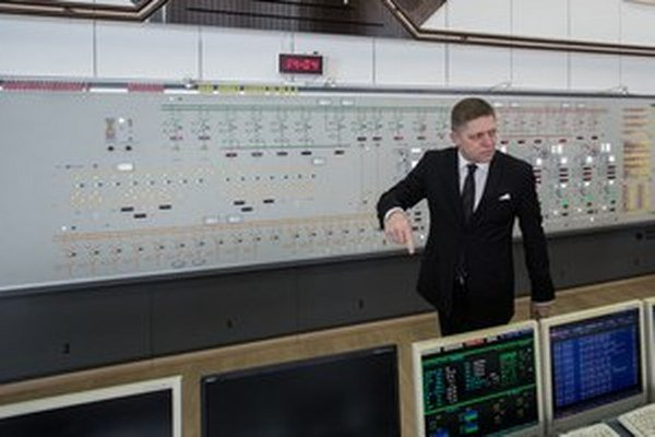 Takto Robert Fico prebral kontrolu nad elektrárňou Gabčíkovo.