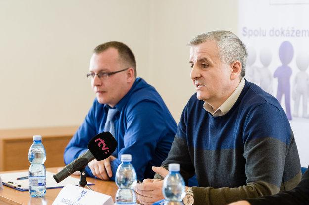 Odborársky predák v Kia Motors Slovakia Miroslav Chládek - vpravo.