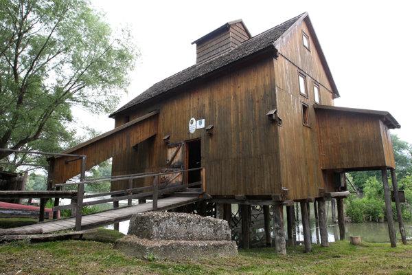 Kolový mlyn v Jelke dočasne uzavreli.