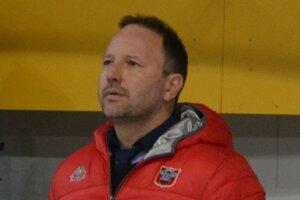 Tréner Ľubomír Hurtaj. Dve sezóny pôsobí vTopoľčanoch, rád by vrodnom meste pokračoval aj vbudúcej sezóne.