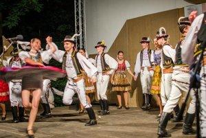 Folklórny súbor Vranovčan z Vranova nad Topľou.