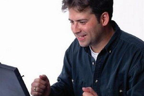 """Niektorí by radi Comic Sans zakázali. Napríklad <a href=""""http://www.comicsanscriminal.com"""">táto stránka</a>, alebo <a href=""""http://www.bancomicsans.com"""">táto</a> a ďalšie."""
