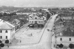 Námestie v roku 1926.