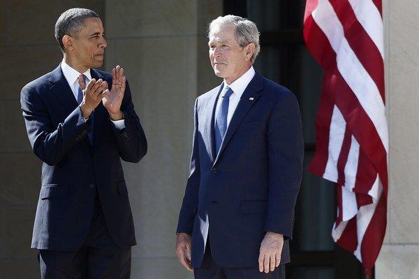 Barack Obama a George W. Bush.