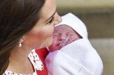 Kate opustila nemocnicu, spolu s Williamom ukázali malého princa
