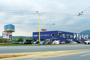 Mirad postavil budovu v Prešove v roku 2007.