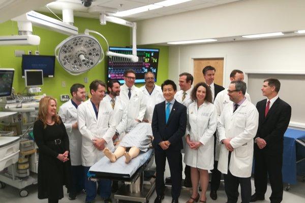 Lekársky tím, ktorý uskutočnil prvú úplnú transplantáciu penisu.