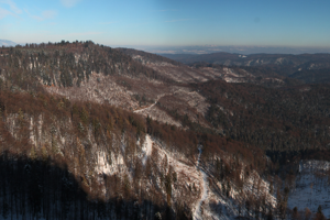 Celkový pohľad na sever a východ z Havranej skaly.