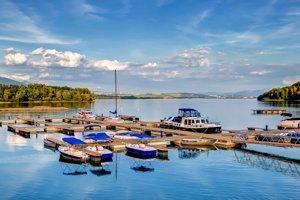 Mólo na Liptovskej Mare otvorili v roku 2016.