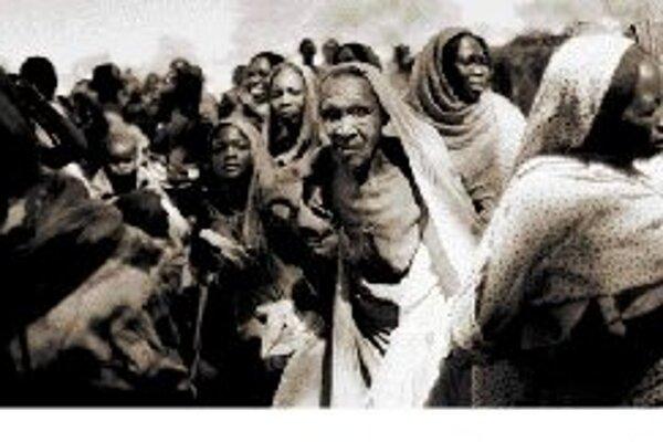 Utečenci z Darfúru na hranici Sudánu a Čadu. Autorom je dánsky fotograf Jan Grarup.