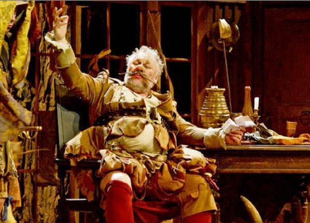 Peter Mikuláš ako Falstaff.