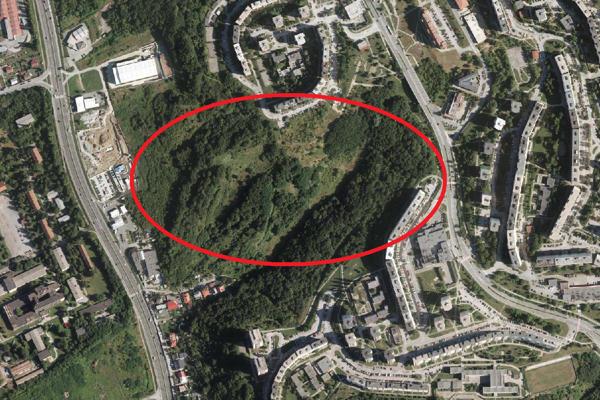 Dolina, ktorú čakajú zmeny, leží pod budovami pošty a polície a ohraničujú ju ulice Bašťovanského, Fábryho a Bielocerkevská.