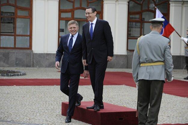 Rumunský premiér Ponta podal demisiu. To sa Ficovi nemôže stať, Slovensko predsa nie je nijaký Balkán.