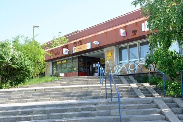 Pošta 22 na Dargovských hrdinov bude do augusta kvôli rekonštrukcii fungovať v núdzovom režime.