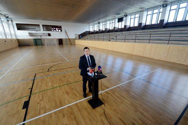 Brífing Juraja Draxlera sa uskutočnil v Základnej škole Šenkvice.