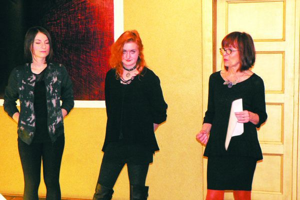 Autorky predstavila Mária Žilíková-Herodeková, koordinátorka výstav v Galérii Fyoer.