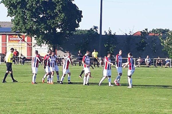 Futbalisti Paty vyhrali 7:0 vo Štvrtku na Ostrove. Je to najvyššie víťazstvo hostí v prebiehajúcej sezóne piatej ligy Juh.