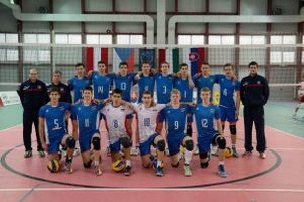 Volejbalových kadetov čakajú Bielorusi a Poliaci.