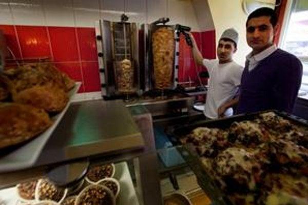 """Kebab sa stal """"národným"""" jedlom v Nemecku. Populárny je aj u nás."""