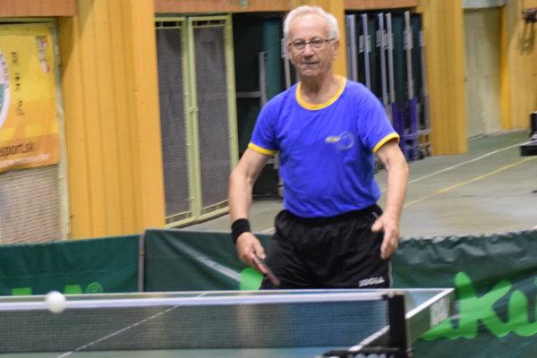 Ľudovít Valárik, dlhoročný tréner, ktorý dnes zbiera úspechy vo veteránských kategóriách.