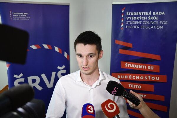 Predseda Študentskej rady vysokých škôl  Bálint Lovász.