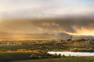 Pohľad na obec Nižný Hrušov.