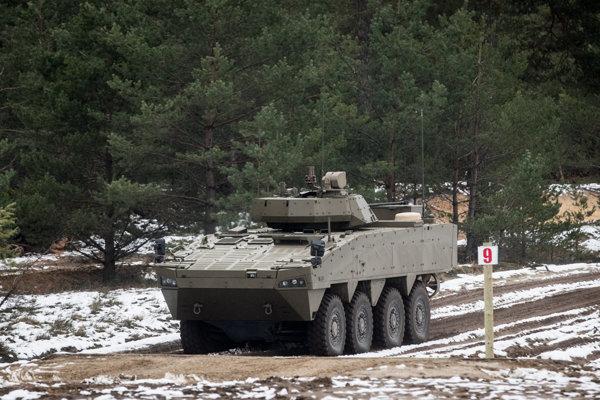 Prototyp osemkolesového obrneného vozidla z dielne fínskej zbrojárskej spoločnosti Patria.