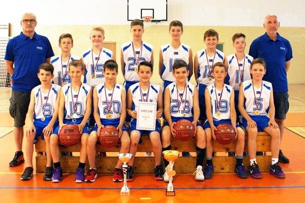 Družstvo mladších žiakov Nitry (nar. 2005 a ml.) obhajuje prvenstvo na M-SR z posledných dvoch rokov.