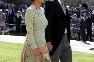Pippa Middleton, sestra vojvodkyne Kate, so svojim manželom Jamesom Matthewsom.